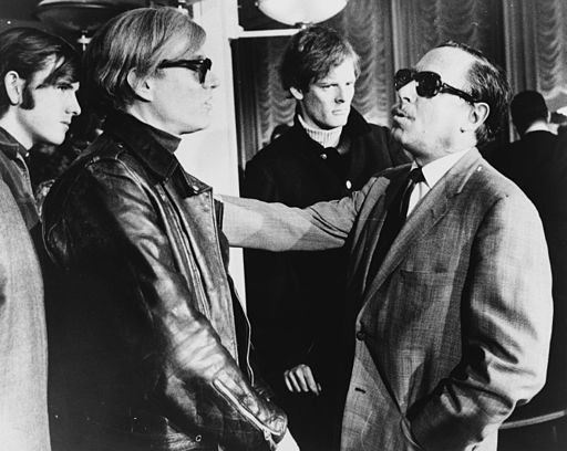 512px-Andy_Warhol_and_Tennessee_Williams_NYWTS